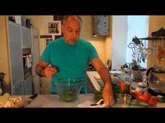 Sott'olio - всего лишь зелёный горошек, но с мятой, лимонным соком и оливковым маслом. Чудесное изобретение итальянских бабушек. Очень подойдет к мясу.