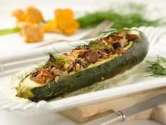 Zucchini mit Schwammerl-Zwiebel-Füllung