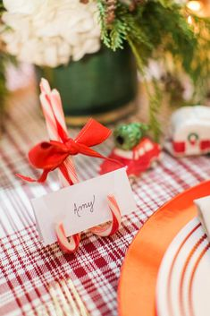 Beautiful Christmas Tablescapes made Entirely from Target Products Christmas Is Coming, Christmas Time, Christmas Crafts, Holiday Time, Christmas Tablescapes, Christmas Decorations, Holiday Decor, Holiday Ideas, Table Decorations