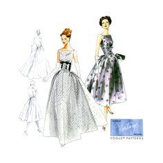 década de 1950 Vestido de noche modelo Vogue sin por CynicalGirl