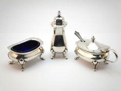 c1930 ANTIQUE HARRODS 3 PIECE SILVER PLATED CRUET SET, SALT, PEPPER & MUSTARD