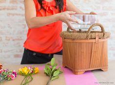 Aprenda a fazer um arranjo de flores colorido e perfeito para decorar a casa no dia a dia.
