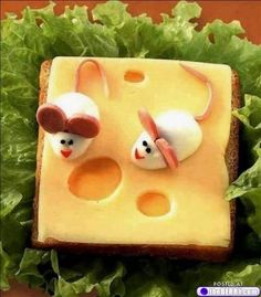 Yummy mice and cheese
