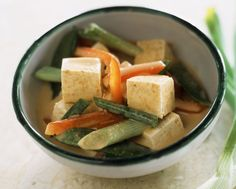 Easy Vegan Thai Vegetable Curry with Tofu
