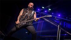 Chris Kael - Five Finger Death Punch / © Lizzy Davis Photography Breaking Benjamin, Five Fingers, Rock Concert, Concert Photography, Punch, Death, Alcoholic Punch