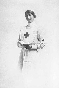 Infermiera (f) (Nurse)