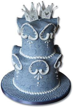 blue_wedding_cake_lacework