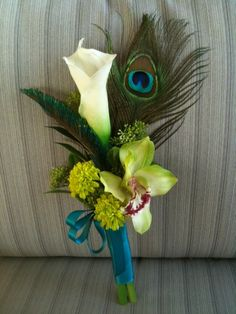 Calla Lilly and Peacock Feathers!!  Two of my faves.