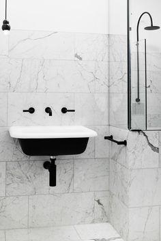 This renovation of a 1930s home sympathetically references the original Art Deco…