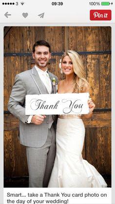 Accesorios para Boda / Wedding accessories Thank You card photo on the day of your wedding! Wedding Wishes, Wedding Pictures, Wedding Bells, Wedding Events, Wedding Picture List, Perfect Wedding, Dream Wedding, Wedding Day, Card Wedding