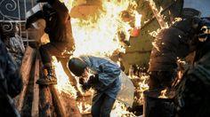 Tehnica Medicala -  Coltea Medical sustine PACEA pentru UCRAINA!  Flăcări şi sânge la Kiev, unde protestatarii s-au ciocnit cu forţele de ordine