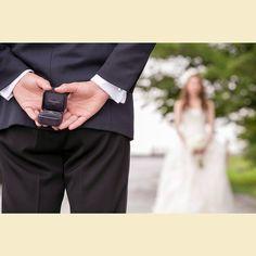 実は新郎さんからも、想いを伝える準備が。相思相愛って素晴らしい! #結婚#結婚式#結婚写真#ブライダル#ウェディング#wedding#前撮り#ロケーション前撮り#ドレス#カメラマン#結婚式カメラマン#ブライダルカメラマン#写真家#緑#自然#笑顔#幸せ#仲良し#花嫁#プレ花嫁#名古屋#プロポーズ#ゼクシィ#ウェディングドレス#バンプデザイン#bumpdesign Wedding Picture Poses, Pre Wedding Photoshoot, Wedding Photography Poses, Wedding Poses, Wedding Shoot, Wedding Portraits, Save The Date Pictures, Japanese Wedding, Romantic Pictures