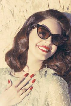 I LOVE THE SUNGLASSES & THE NAILS OF COURSE