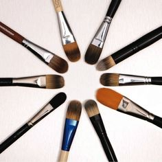 Tips for cleaning your makeup brushes from makeup artist Lauren Synder ... Stunning ... Love this makeup brushes gift set. Pearl handles and white leather vanity case. Beautiful boutique makeup brush set ...
