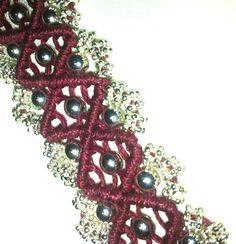 Micromakramé med pärlor. Snyggt och effektfullt. #caraga #makrame