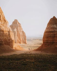 whitenoten (earth: Wandering in Utah Voyage En Camping-car, Places To Travel, Places To Visit, Nature Photography, Travel Photography, Photos Voyages, Hawaii Travel, The Great Outdoors, Wonders Of The World