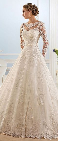 Glamorous Tulle Bateau Neckline Ball Gown Wedding Dress With Lace Appliques #laceweddingdresses #weddinggowns