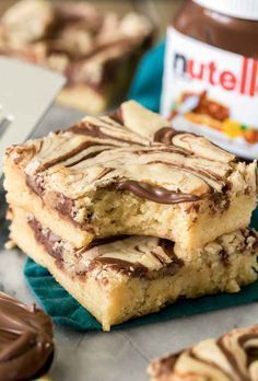How do you make NUTELLA BLONDIES? Buttery, chewy, soft blondie bar with Nutella swirls. Everyone loved this ! bake How do you make NUTELLA BLONDIES? Buttery, chewy, soft blondie bar with Nutella swirls. Everyone loved this ! Easy Cookie Recipes, Easy Desserts, Baking Recipes, Dessert Recipes, Fudge Recipes, Whole30 Recipes, Cupcake Recipes, Drink Recipes, Pasta Recipes