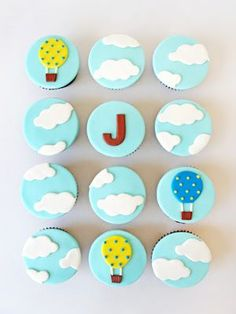 kit globos aerostáticos Boys First Birthday Cake, Baby Birthday, First Birthday Parties, First Birthdays, Baby Shower Balloons, Baby Shower Parties, Baby Boy Shower, Christening Cupcakes, Custom Cupcakes