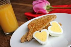Cómo hacer un huevo duro con forma de corazón