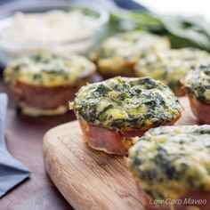 These low carb Spinach Feta Quiche Muffins taste like spinach artichoke dip and are easy to make! Perfect as a grab and go low carb breakfast or snack! This recipe is low carb, gluten-free, keto and THM! Spinach Feta Quiche, Spinach Quiche Recipes, Bacon Quiche, Keto Quiche, Vegetable Quiche, Vegetarian Quiche, Vegetarian Breakfast, Vegetarian Keto, Low Carb Maven
