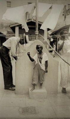 Cuba/ La Habana, 1930s/ Lavaderos públicos. La foto fue tomada por el famoso fotógrafo norteamericano Walker Evans (1903-1975) en 1933.