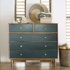 Add a refreshing, natural touch to your bedroom with the IKAT green solid acacia wood chest of drawers. Its combination of acacia wood and dark green Chest Of Drawers Upcycle, Green Chest Of Drawers, Chest Of Drawers Decor, Chest Of Drawers Makeover, 5 Drawer Chest, Funky Furniture, Upcycled Furniture, Furniture Makeover, Quartos