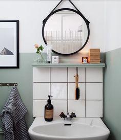Black, white, and mint bathroom style Bathroom Design Small, Modern Bathroom, Mint Bathroom, Interior Simple, Victorian Bathroom, Interior Decorating, Interior Design, Dream Decor, Beautiful Bathrooms