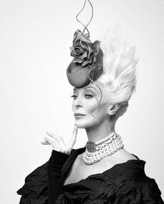 Surround yourself with beauty. Philip Treacy Hats, Kentucky Derby Fashion, Carmen Dell'orefice, African Hats, Classic Hats, 1920s Wedding, Wedding Welcome Bags, Cocktail Hat, Fancy Hats