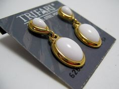 Vintage Trifari Gold and White Lucite Cabochon by TheVintageKorner, $5.00