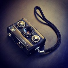 CameraPorn No. 328 - Joe Hockley yelkcoh featuring the Rollei 35