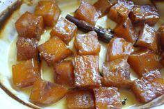 Η κολοκύθα γλυκό ψήνεται στον φούρνο με ζάχαρη και κανελόξυλο μέχρι να δέσει και σερβίρεται με χονδροκομμένα καρύδια και πασπαλισμένη κανέλα. Sweet Potato Cassarole, Greek Recipes, Waffles, French Toast, Sweet Home, Sweets, Candy, My Favorite Things, Breakfast