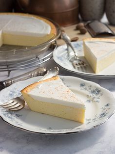 Nana\'s Cream Cheese Pie (crustless cheesecake) Easy cream cheese pie recipe made in a pie plate. Nana\'s Cream Cheese Pie (crustless cheesecake) Easy cream cheese pie recipe made in a pie plate. Cream Cheeses, Cream Cheese Pie, Cheese Pies, Cream Cheese Recipes, Cream Cheese Cheesecake, Crustless Cheesecake Recipe, Keto Cheesecake, Cheesecake Brownies, Raspberry Cheesecake