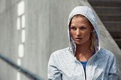 Helly Hansen Aspire -takki sopii urbaanille juoksun harrastajalle Sh. 100,00 euroa #hellyhansen