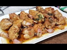 Chicken with garlic, the easiest and most flavored recipe in the world Chicken Legs, Garlic Chicken, Turkey Recipes, Chicken Recipes, Pollo Guisado, Grubs, Fritters, How To Cook Chicken, Tuna
