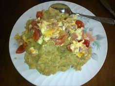 Bacalao guisado rulo yuca y aguacate comidas for Chambre de guandules