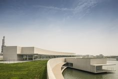 The Building on the Water / Álvaro Siza + Carlos Castanheira/ Huai'an, Jiangsu, China