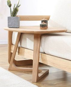 20 gorgeous side and accent table ideas for your small space Solid wood side table. This space-saving side table features a minimalistic design that will go with most styles of homes. Minimalistic Design, Couch Table, Sofa Tables, Dining Chairs, Style At Home, Small Tables, Wood Side Tables, Narrow Side Table, Side Tables Bedroom
