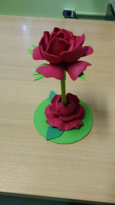 Foam Crafts, Diy And Crafts, Arts And Crafts, Paper Crafts, Twine Flowers, Paper Flowers, Flower Pens, Flower Vases, Pencil Toppers