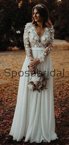Simple Elegant Wedding Dress, Pretty Wedding Dresses, Lace Wedding Dress With Sleeves, Wedding Dress Train, Country Wedding Dresses, Modest Wedding, Look Chic, Marie, Bridesmaid Dresses