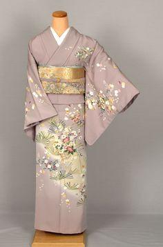 Japanese Embroidery Kimono Japanese Embroidery KimonoYou can find Japanese kimono and more on our website. Traditional Japanese Kimono, Traditional Dresses, Asian Wedding Dress, Japanese Embroidery, Hand Embroidery, Machine Embroidery, Kanzashi, Japanese Outfits, Japan Fashion