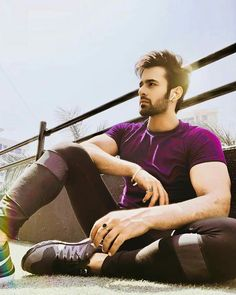 Pearl V Puri – girl photoshoot poses Handsome Indian Men, Handsome Boys, Indian Drama, Tacker, Beautiful Men Faces, Baby Pearls, Cute Girl Face, Charming Man, Poses For Men