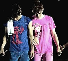 Jongkey feels GIF<--- I just noticed that everyone is holding hands. But I still think it's a beautiful Jongkey moment!!