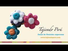Flores de botón a crochet - YouTube Bobble Crochet, Crochet Brooch, Crochet Buttons, Love Crochet, Crochet Trim, Crochet Shawl, Diy Crochet, Crochet Flowers, Crochet Stitches