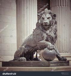 lion statue - Buscar con Google