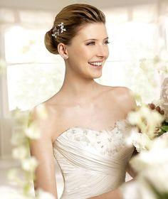 MARCIAL » Wedding Dresses » 2013 Fashion Collection » La Sposa » Shown without detachable Cape (close up)