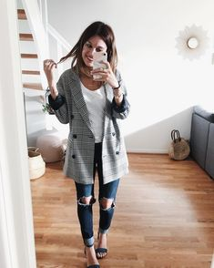 """4,167 Likes, 81 Comments - Pauline ☁️ (@pauline_clea) on Instagram: """"Prince de Galles •  _____  #ootd #outfit #outfitoftheday #wiwt #instalook #princedegalles #nantes"""""""