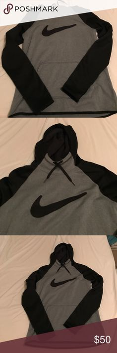 Nike Women's Pull Over Worn a couple times for around 10 min. Basically brand new. Still soft on the inside. Open to offers Nike Tops Sweatshirts & Hoodies