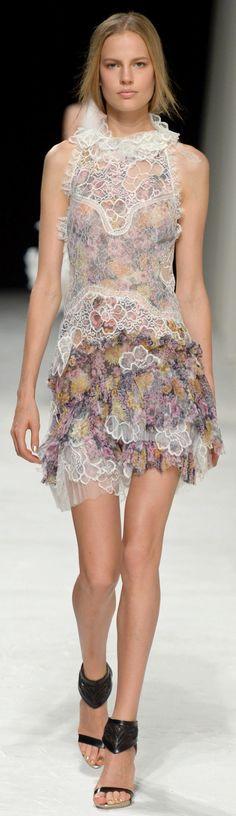 Nina Ricci Ready To Wear Spring 2014