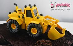 3D Digger Cake - We recently made this cake and created a video tutorial for it. Watch a 13 minute free sample on how to make the wheels.